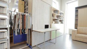 Стол-кровать откидная для малогабаритной комнаты