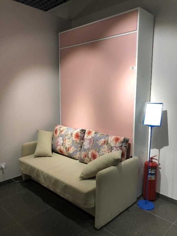 Подъемная кровать с пуфом